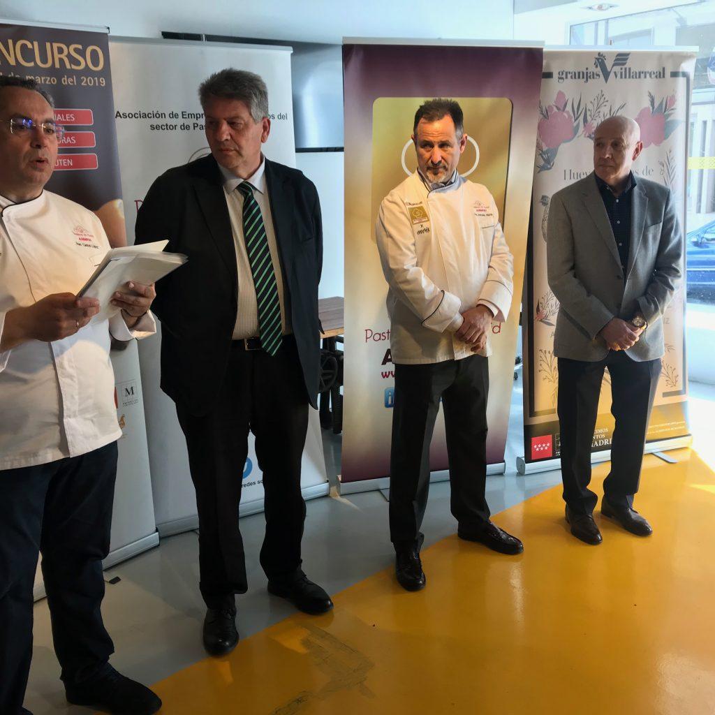 Entrega De Premios, Representantes De Las Asociaciones Y Consejero De Agricultura Cam