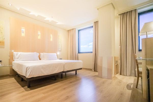 abba_madrid_hotel_habitacion_comunicada_4-600×400